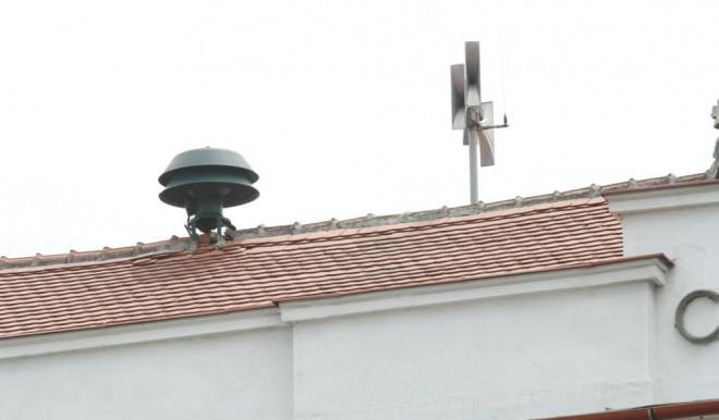 """În Olt, n-au mers sirenele de alarmare a populaţiei, asa ca s-au tras clopotele. """"Le-am tras, dar nu ca la biserică"""""""
