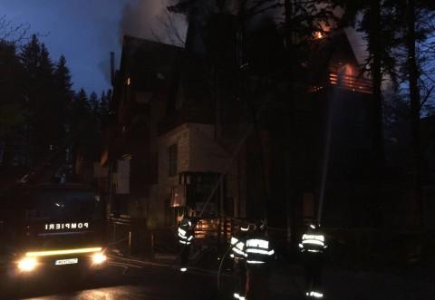 Incendiu PUTERNIC la un hotel de 5* din Sinaia /FOTO si VIDEO