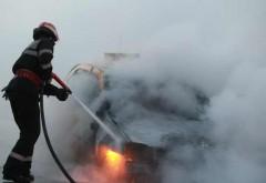 Maşină în flăcări, la Breza