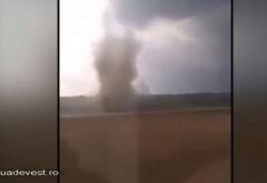Imagini incredibile. O tornada a fost filmata in apropiere de granita Romaniei! VINE prapadul!