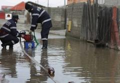 UPDATE Trei case inundate in Prahova