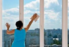 A ajuns la spital după ce s-a intoxicat cu... o soluţie de spălat geamuri