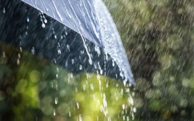 Prahova, sub COD GALBEN de ploi torenţiale