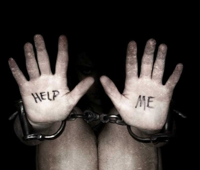 Percheziţii în Prahova, dar şi în Franţa la traficanţi de minori