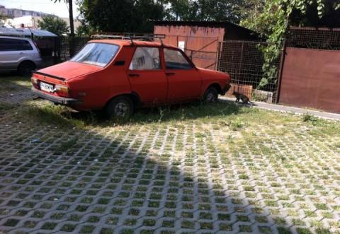 SGU ridică maşinile abandonate de pe domeniul public