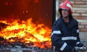 UPDATE Incendiu VIOLENT la Treisteni. Două case, cuprinse de flăcări