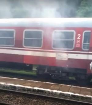 ALERTĂ! Un tren care a plecat din Ploieşti, la un pas să ia FOC
