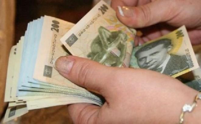 BOMBĂ! Cine sunt bugetarii care vor primi SALARII de până la 10.000 de euro pe lună