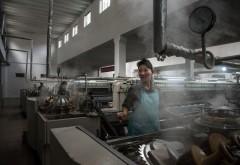 """Produsele """"made in China"""" ar fi făcute de fapt în Coreea de Nord. Condiţiile inumane din fabrici"""