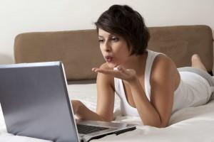 Guvernul LEGALIZEAZĂ activitatea de IT-iștilor: ar putea profita și studiourile de videochat