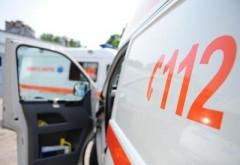 Lucrător al unei firme de cablu, căzut de la 3 metri înălţime, la Comarnic