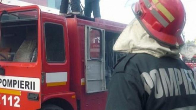 UPDATE Incendiu la o anexă a magazinului Jumbo din Ploieşti