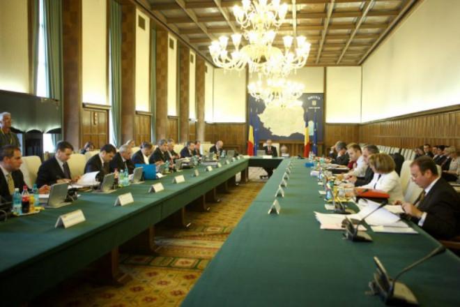 Guvernul majorează salariile specialiștilor români implicați în proiecte de cercetare, dezvoltare și inovare
