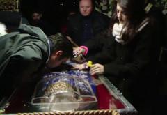 """Fost preot, pe Facebook: """"În România, moaștele sunt venerate cum n-a văzut tot Evul Mediu"""""""