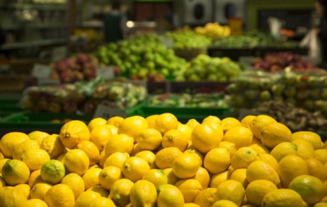 Protecția Consumatorilor, atenționare URIAȘĂ : 'Citricele pot fi tratate cu o substanţă care atacă ficatul şi rinichii'