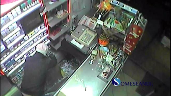 Doi pustani au dat spargerea intr-un magazin din Valeni. Incredibil pentru ce produs si-au riscat libertatea!
