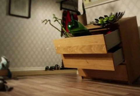 "Dulapurile ""Malm"" de la IKEA au UCIS 8 copii"