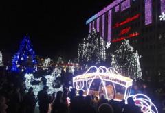 S-au aprins luminile de Crăciun în Ploieşti. Vezi cum arată centrul oraşului! VIDEO+FOTO
