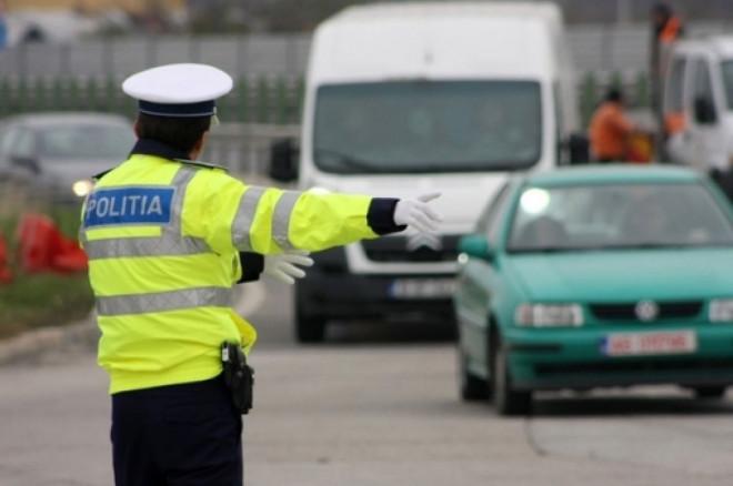 Ce faci cand esti prins conducand fara permis? Schimbi locul cu pasagerul!