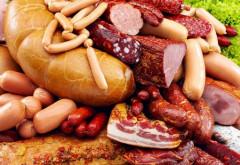Cum deosebim carnea afumată natural de cea injectată cu SUBSTANŢE NOCIVE pentru sănătate