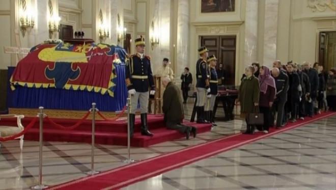 DOLIU NAŢIONAL. România îşi ia rămas bun de la Regele Mihai I