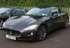 """Ce țepe mai dau cocalarii din Ploiesti: Un pustan s-a ales cu dosar penal pentru inselaciune, dupa ce a """"cumparat"""" un Maserati si nu l-a platit"""