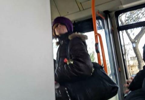 ALERTĂ la Ploieşti: Persoană înarmată cu un cuţit a ameninţat călătorii dintr-un autobuz