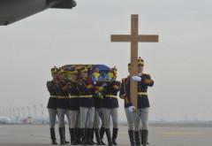 """30 de elevi ai Colegiului Naţional Militar """"Dimitrie Cantemir"""" din Breaza vor fi în componenţa Gărzii de Onoare, la funeraliile regelui"""
