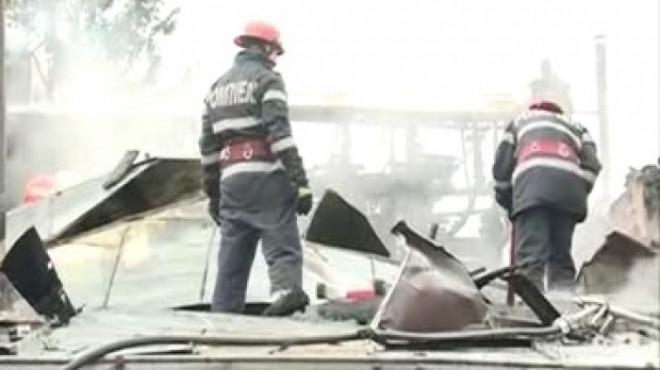 A fost prins piromanul care a incendiat 8 case in Calugareni, Prahova. Barbatul, internat la psihiatrie