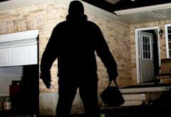 ATENTIE! Mii de furturi din case au loc în fiecare an. Ce greșeală fac românii