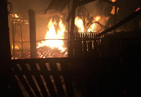 Tragedie in Baltesti! O femeie a ars de vie in propria casa cuprinsa de incendiu