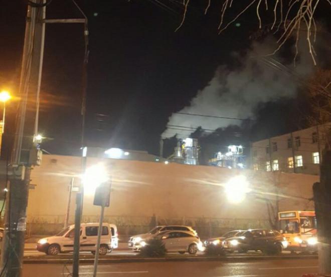Dupa ce a fost amendata pentru emisii de gaze TOXICE, fabrica Dero continua sa functioneze fara AUTORIZATIE DE MEDIU! Cum e posibil