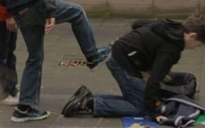Un elev din Dumbravesti a fost batut de fratele unei colege