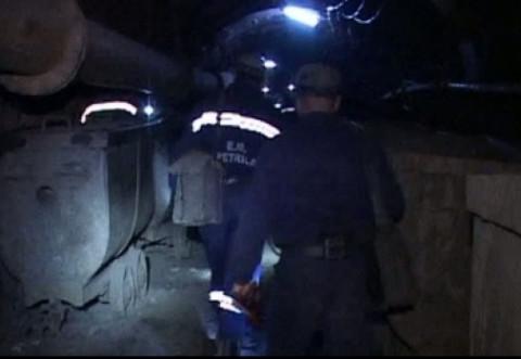 Protest spontan la Salina Slănic. Zeci de mineri refuză să iasă din subteran