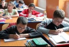 Învăţământ ogligatoriu de 15 clase. proiectul se află la Camera Deputaţilor