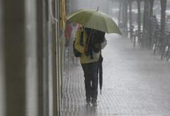 PROGNOZA METEO. Vremea devine instabilă în toată ţara. ANM anunţă ploi şi descărcări electrice, la munte precipitaţii mixte