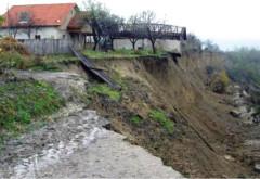 Ajutoare guvernamentale de urgenta pentru 21 de familii din Prahova, afectate de alunecarile de teren sau incendii