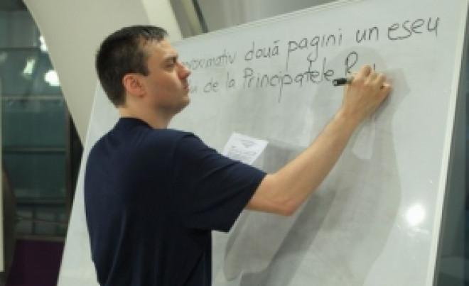 HALUCINANT: Profesorul căruia polițiștii i-au spart casa din greșeală a fost AMENDAT