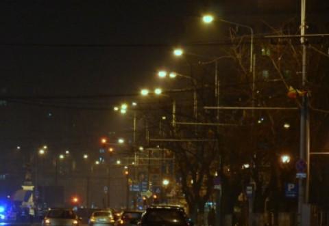 Ploieştiul are din nou contract de mentenanţă pentru iluminatul public. Primaria, schimbam si noi becurile din 1980?
