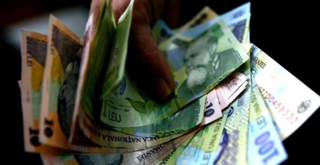 Câți bani a pierdut fiecare român care cotizează la Pilonul II de pensii