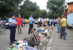 Razie in Obor si Bereasca. Amenzi pentru vanzarea hainelor contrafacute