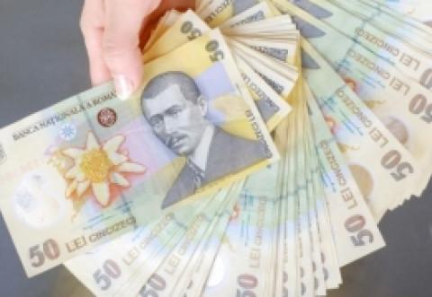 Robor 'a sărit în aer': Nivel RECORD - veste-ŞOC pentru românii cu credite în lei