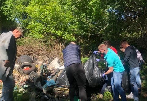 Acțiune de ecologizare in Câmpina, marca TSD Prahova