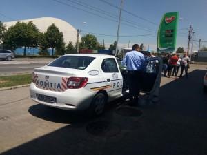 Ca-n Vestul Salbatic! O masina a fost furata dintr-o benzinarie din Ploiesti