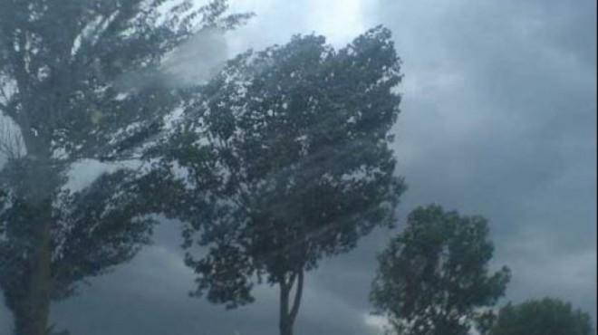 ALERTĂ METEO Cod portocaliu de ploi torenţiale, grindină şi vânt puternic