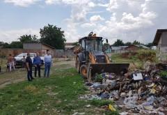 Acțiune de colectare a deșeurilor abandonate pe str.Vaii,cartier Inotesti