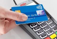 """ATENTIE! Cardurile contactless pot fi """"citite"""" cu un telefon mobil. Cum poti sa-ti protejezi banii de pe card"""