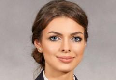 """Frumoasa si desteapta! Alina este sefa de promotie a Colegiului Naţional Militar """"Dimitrie Cantemir"""" Breaza"""