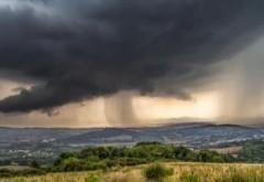 Meteorologii susţin că fenomenele extreme vor deveni o obişnuinţă în ţara noastră