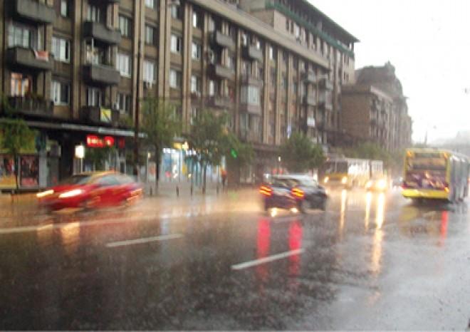Se întorc ploile, iar vremea va fi capricioasă până la sfârşitul lunii